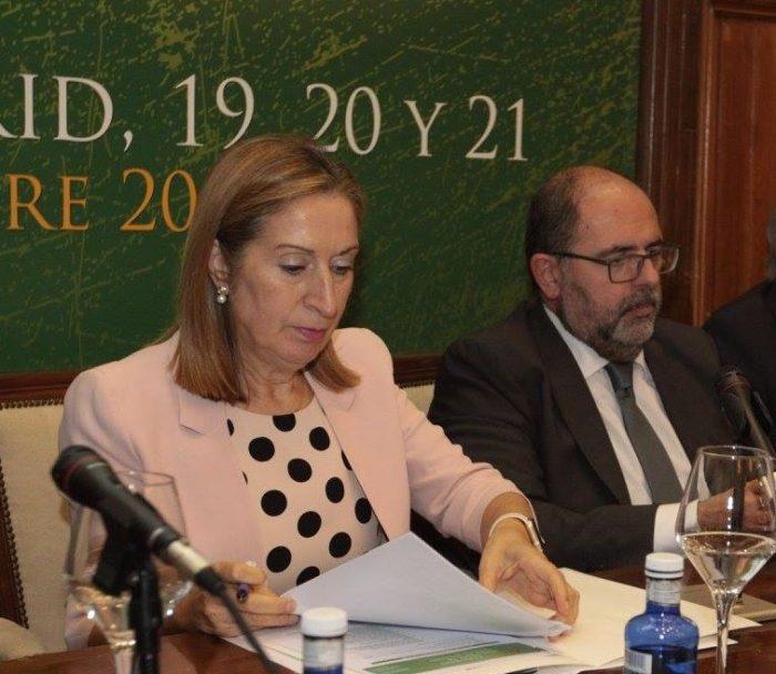 Carlos Moreno, junto con Ana Pastor, en el Congreso de la AEDS.
