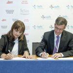 firma acuerdo colaboración medicación en UC