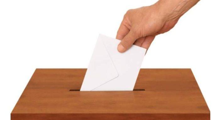 Urna para las elecciones del Colegio de Médicos de Zaragoza