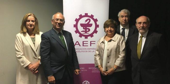 mesa de debate AEFI