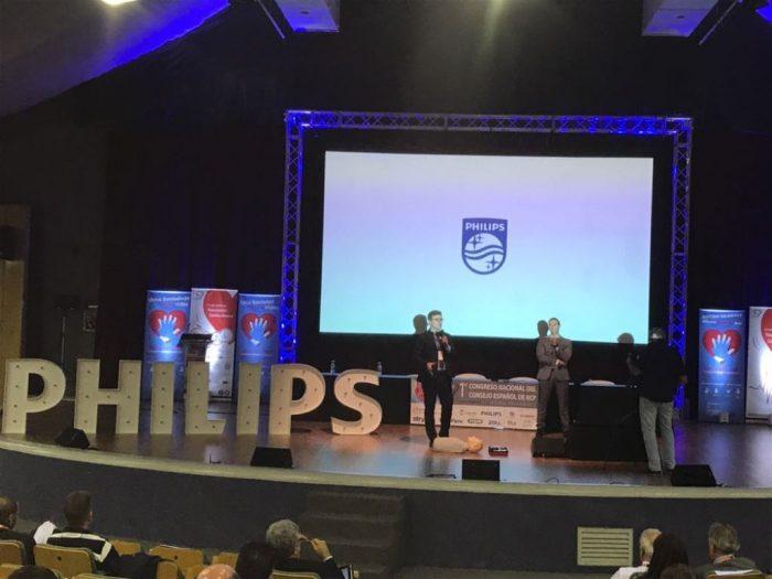 Philips presenta el desfibrilador 'HeartStart'