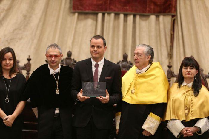 Premio a la investigación del dolor a Enrique Lluch