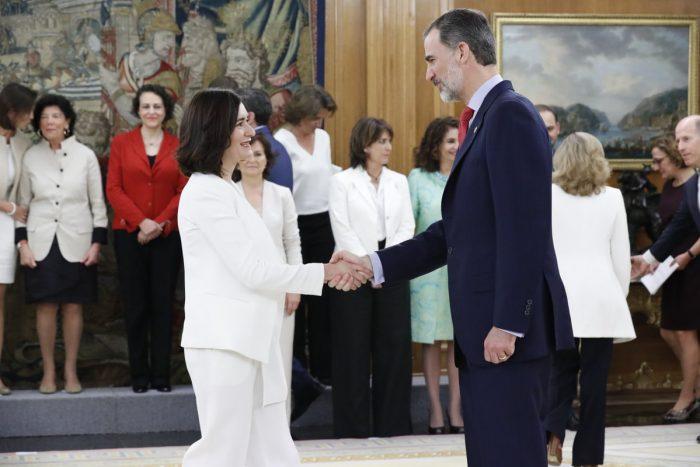 Carmen Montón y el Rey Felipe VI