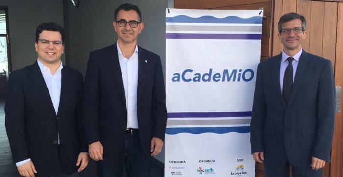 Ramón Morillo, Miguel Molina, alcalde de Barbate, y Miguel Ángel Calleja.