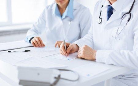 participación médicos y sociedades científicas