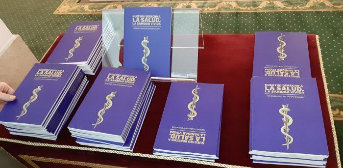 Ejemplares del libro de Honorio Bando.