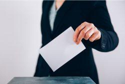 directiva participando en un proceso electoral