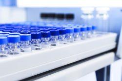 producción de viales de vacunas