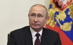 Vladimir Putin anuncia que Rusia registra una vacuna contra la COVID-19.