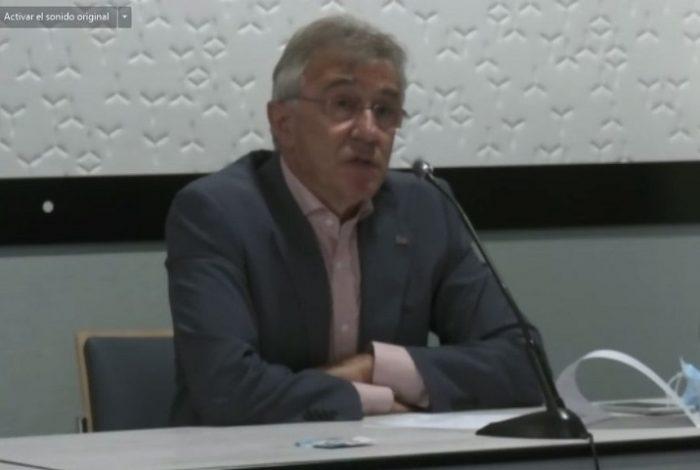 Aureliano Ruiz, presidente en funciones FEDE, durante el coloquio paciente DM2 insulinizado
