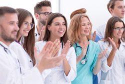 médicos residentes tras elegir plaza