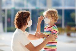 hijos de sanitarios contagiados