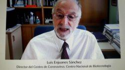 El doctor Enjuanes Sanchez en el coloquio de la Fundación Areces