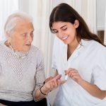 SATSE pide mejoras laborales en las residencias de mayores. Foto de recurso.