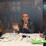Encuentro del Consejo general de Farmacéuticos con periodistas