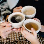 té verde y café