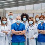 Sanidad y salud, el único sector con más vacantes de empleo que en 2019