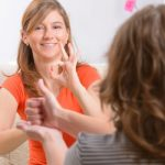 Pérdida aditiva provoca aislamiento social, soledad y estigma